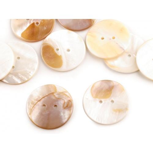Knoflík perleťový vel. 40