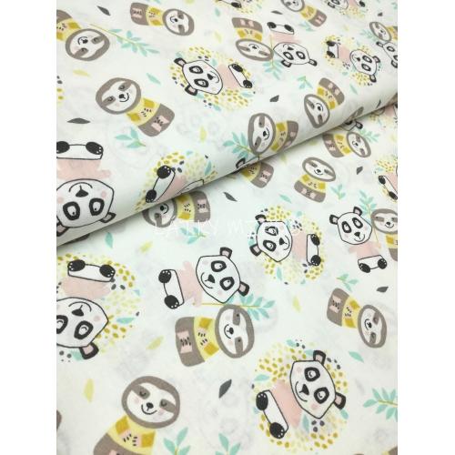 Pandy na bílé