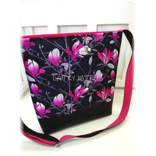 Crossbody - magnolie na černé