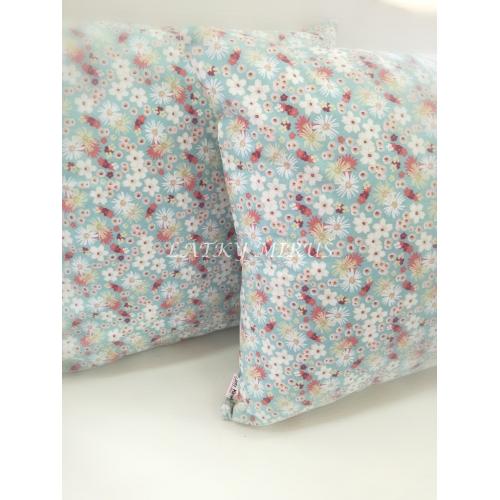 Povlak na polštář - květy na modré